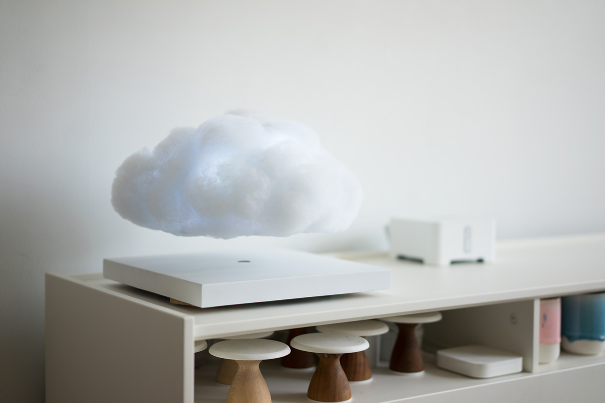 floating_cloud_4.jpg