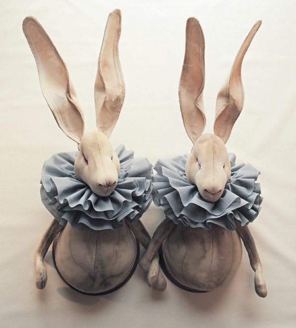 twin-ruffle-hares-winter1.jpg
